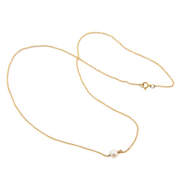 White pearl in 18k gold