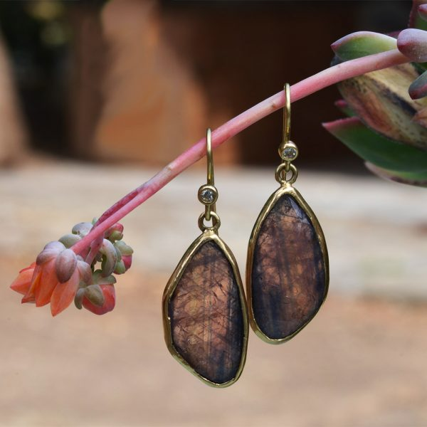 earrings_sapphhire-yellow-gold-2